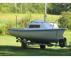 Trailered 17' Siren Sailboat