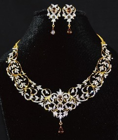 Diamond Necklace and Earring Set – Exotic Gold Jewelry