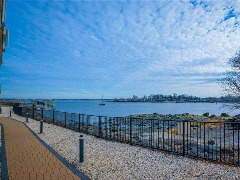 ID#: 1321677, Luxury Condo For Rent In Throngs Neck