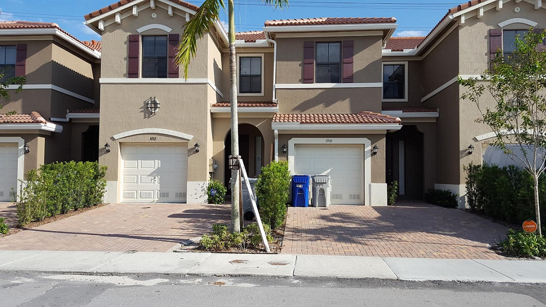AWESOME 3-BEDROOM UNIT at POMPANO BEACH! MUST SEE!!!