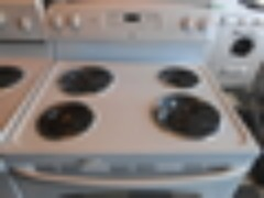 GE 30 INCH FREE STANDING ELECTRIC RANGE SELF CLEAN COIL BURNERS