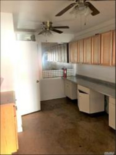 ID#: 1319228 Storefront For Rent On College Point Blvd