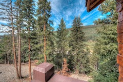 The LOG Lodge gorgeous views in the woods of Breck