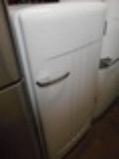 VINTAGE GIBSON 1 DOOR REFRIGERATOR FREEZER INSIDE