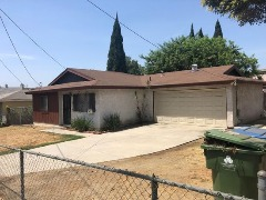 2 beds 1 bath 905 sqft