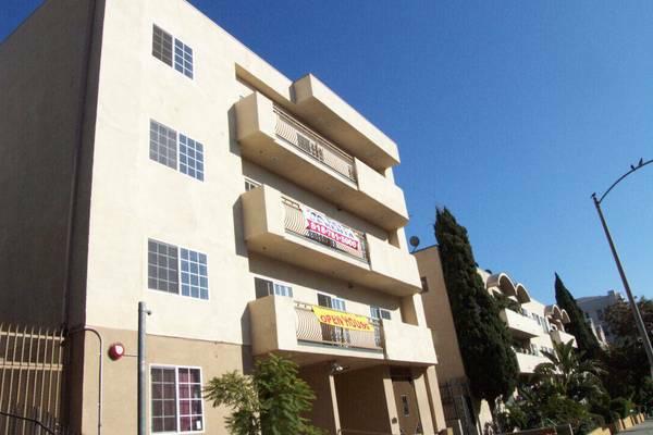$1695 1b/1b korea town apartment
