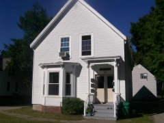 FOR RENT: 1BR/1BA 500sqft @ $795/month -- 73 Charles St. Unit 2, Rochester, NH (2nd floor unit)