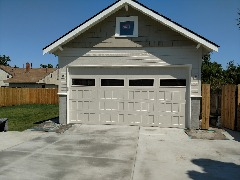 NEED YOUR HOUSE PAINTED!  CONTACT CHRISS! 509-964-1459  Free Estimates!