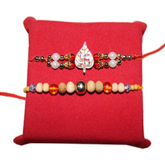 Super Offers on Rakhi and Rakhi Gift Hampers from Handicrunch