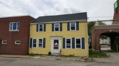 Updated 2nd floor w/ 2 bedroom apartment in the heart of downtown Portsmouth