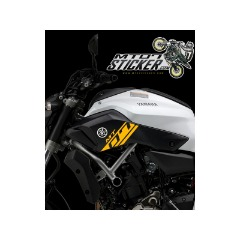 Yamaha MT-07 side cover sticker (01)