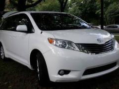 WHite 2014 TOYOTA SIENNA XLE 'AWD' 50k Miles $16,995