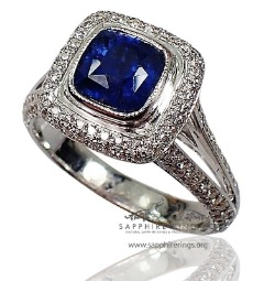 GIA Certified 18 kt 1.83 ct Blue Cushion Cut Natural Ceylon Sapphire & Diamond Ring