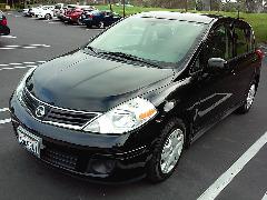 2011 Nissan Versa S  hatch back Black, excellent condition