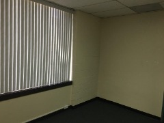Treatment Office Space in Chiropractic Clinic for Rent