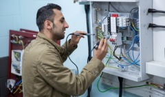 Hire professional Electrician in Sugar land, TX at Pocket friendly Price.