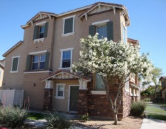 Fantastic Townhouse in Central Gilbert for an Affordable price! $239,900