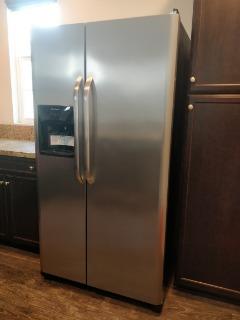 Frigidaire Refrigerator Stainless steel 26 cu.ft