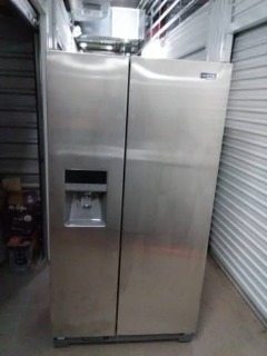 MAYTAG FRENCH DOOR FREEZER/REFRIGERATOR