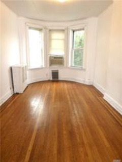 ID# 1327212 Railroad Style 2 Bedroom Apartment On Lovely Tree-Lined Block