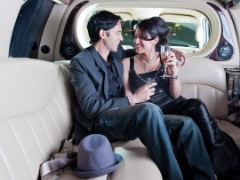 Airport car service- Ride in a limo at an affordable price today!