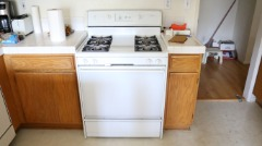 WHIRLPOOL GAS STOVE AND OVER THE RANGE MICROWAVE