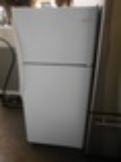 FRIGIDAIRE 18 CUBIC FOOT FROST FREE REFRIGERATOR TOP FREEZER