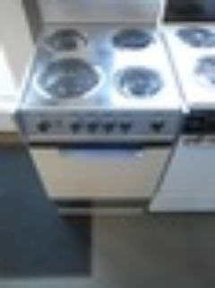 GE 20 INCH ELECTRIC RANGE FREE STANDING MANUAL CLEAN COIL BURNERS