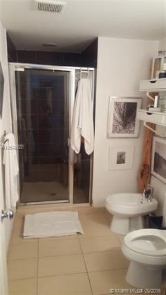 Miami Beach: 1/1 Beach front apartment (11th St., 33139)